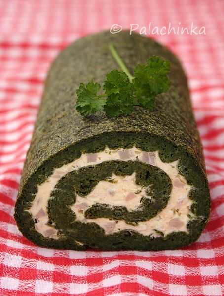 Spinach Roll on http://palachinkablog.com  (I put sun dried tomatoes and pistachios in mine... Yummy - Eggy)