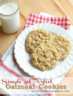 Simple and delicious Oatmeal Cookies! { lilluna.com } So soft & yummy!!