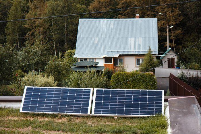 #интересное  Вся правда об эффективности солнечных панелей (10 фото)   Хозяин одного дома, установивший солнечные панели и следивший в течение года за их работой, решил поделиться своими впечатлениями о подобных девайсах. Подсчитав сэкономленную электроэнергию