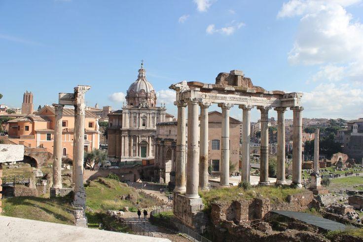 Het voorjaar is bij uitstek de beste periode om een bezoek te brengen aan De Eeuwige Stad. Met het warme lentezonnetje en de vele tuinen en parken die in bloei staan is Rome werkelijk op haar mooist. Ben je op zoek naar leuke en unieke bezienswaardigheden in Rome, lees dan vooral deze tips van Romée!