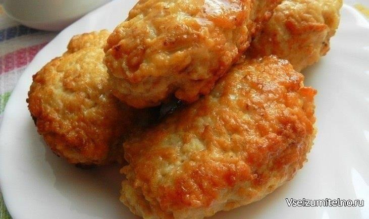 Суперпышные КОТЛЕТКИ из куриного фарша с овсяными хлопьями  За что я люблю котлеты из куриного фарша с овсяными хлопьями, так это за то, что даже из такого диетического мяса, как куриное филе, они получаются очень сочными. Ведь, к сожалению, многие блюда из курицы получаются немного суховатыми, но это не тот рецепт! Попробуйте, Вам обязательно понравится! Хотите, приготовить пышные котлеты из куриного фарша с геркулесом на ужин, тогда воспользуйтесь этим рецептом. Прекрасное сочетание всех…