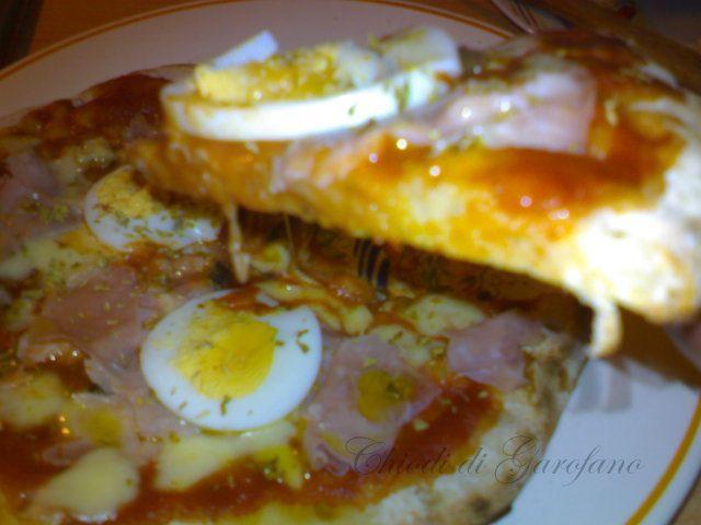 La pizza in padella  http://blog.giallozafferano.it/chiodidigarofano/pizza-capricciosa-in-padella
