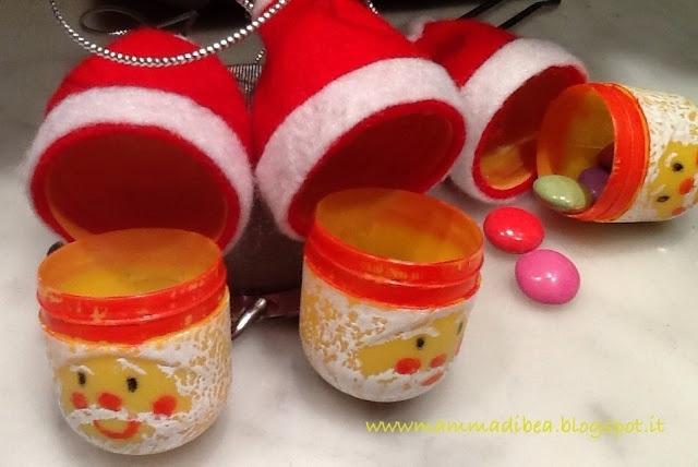"""mamma di b.e.a.: porta caramelle """"Babbo Natale"""",riciclando i porta sorprese degli ovetti"""