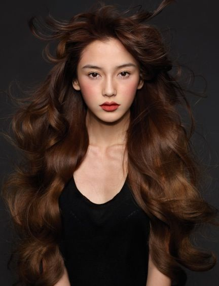makeup & hair - great chocolate brown hair color.