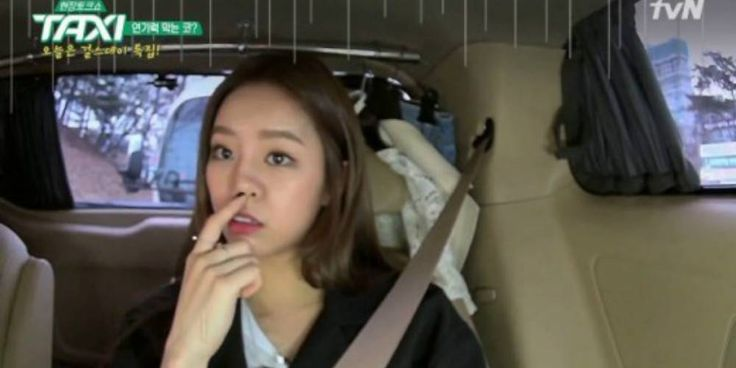 Hyeri shares that having a big nose troubles her during kiss scenes http://www.allkpop.com/article/2017/03/hyeri-shares-that-having-a-big-nose-troubles-her-during-kiss-scenes