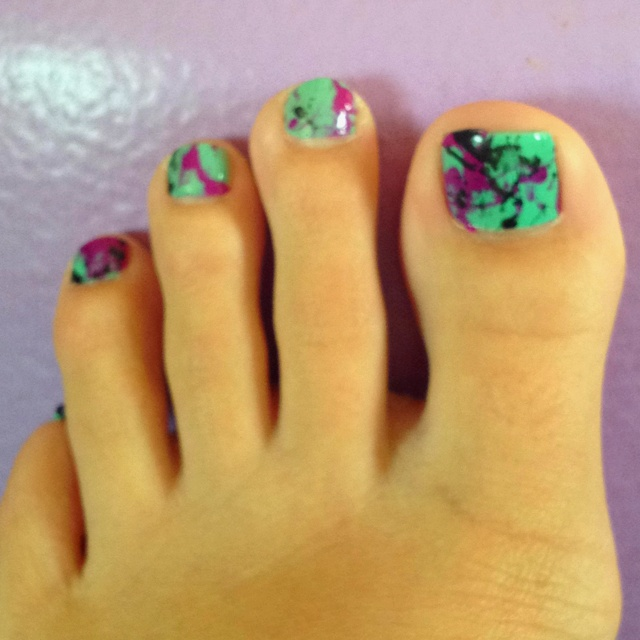 Splatter paint toes