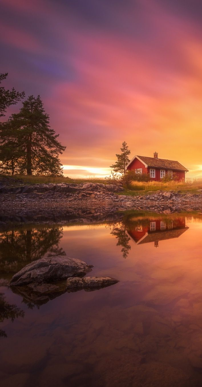 Bring me that Horizon by Ole Henrik Skjelstad (Norway). Would be better with less colour saturation.