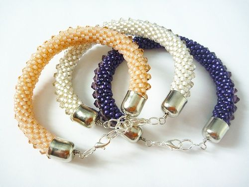 tutorial to crochet (tube) bracelets with seed beads and crystal accents.