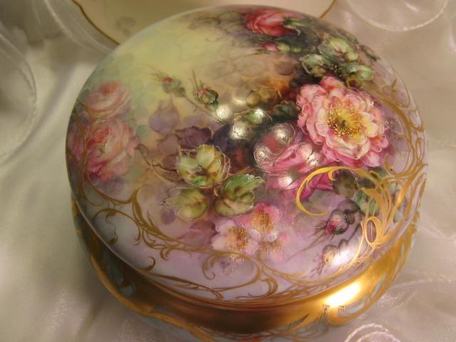 Gorgeous Creme De La Creme Jewel Box Powder Dresser Jar with Breathtaking Hand Painted Roses