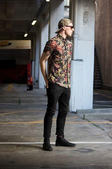 summer , floral shirt , black jeans , black converse