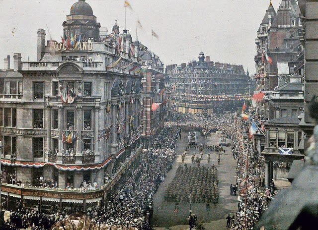 WW1 victory parade, Knightsbridge, London, 1919
