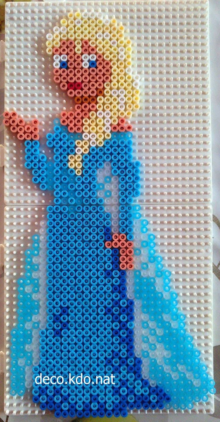 Queen Elsa - Frozen hama perler beads by Deco.Kdo.Nat