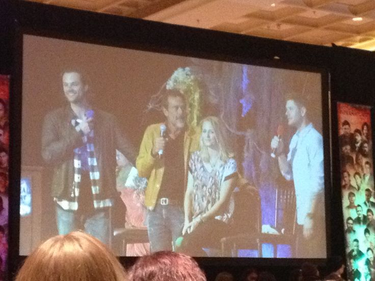 Jensen, Jared, Jeffrey Dean, and Samantha at Supernatural VegasCon on Sunday March 15th 2015.