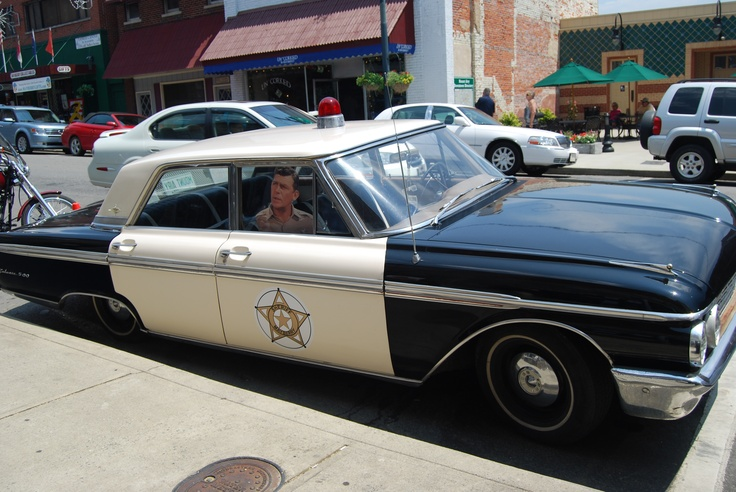Mayberry in mount airy north carolina a very cute town for Mayberry motor inn mt airy nc
