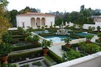 If someone lived in that building and owned that garden they would be very lucky indeed. :)