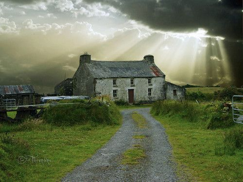 Looks like the ancestral home of the McKinley's in Antrim before they took the house apart to move it to the folk museum.