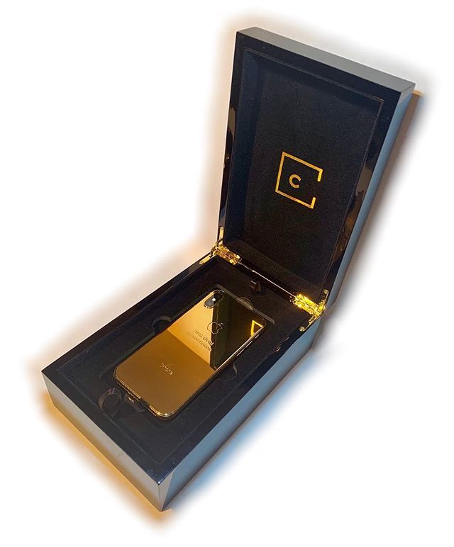24kt Gold Iphone Xs Max Available To Order Now Custom Unique Tech Gold Iphone 24kt Gold Pure Products