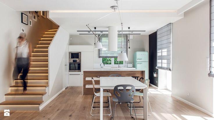 Schody drewniane czy betonowe? Wybieramy schody wewnętrzne - Homebook.pl