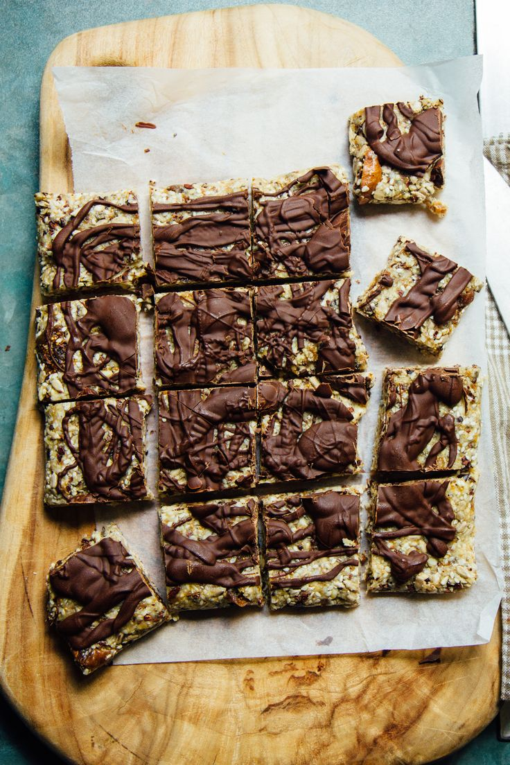 sesame, fig + banana drizzle squares | theswirlingspoon.com