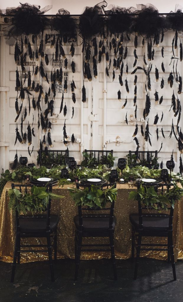 Black and gold dipped feather Backdrop HELLOLOVE
