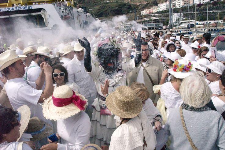 Grupo Mascarada Carnaval: Dos cruceros y un yate con 7.000 personas llegan e...