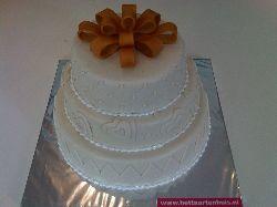 Bruidstaart 'Gouden strik', Bruidstaarten - Het Taartenhuis