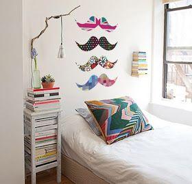 Decoração colorida e criativa, quarto Mustache