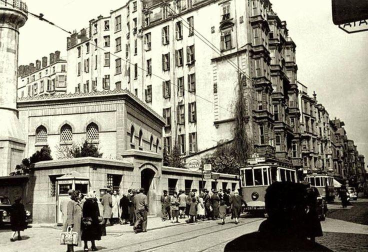 İstiklal Caddesi (1950'li yıllar) #Beyoğlu #istanbul