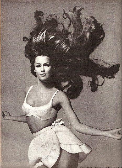 Lauren Hutton Vogue1968. AMAZING.