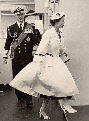 dailymail: Queen Elizabeth Style-i1950s Norman Hartnell New Look coat in white grosgrain with a blue trim