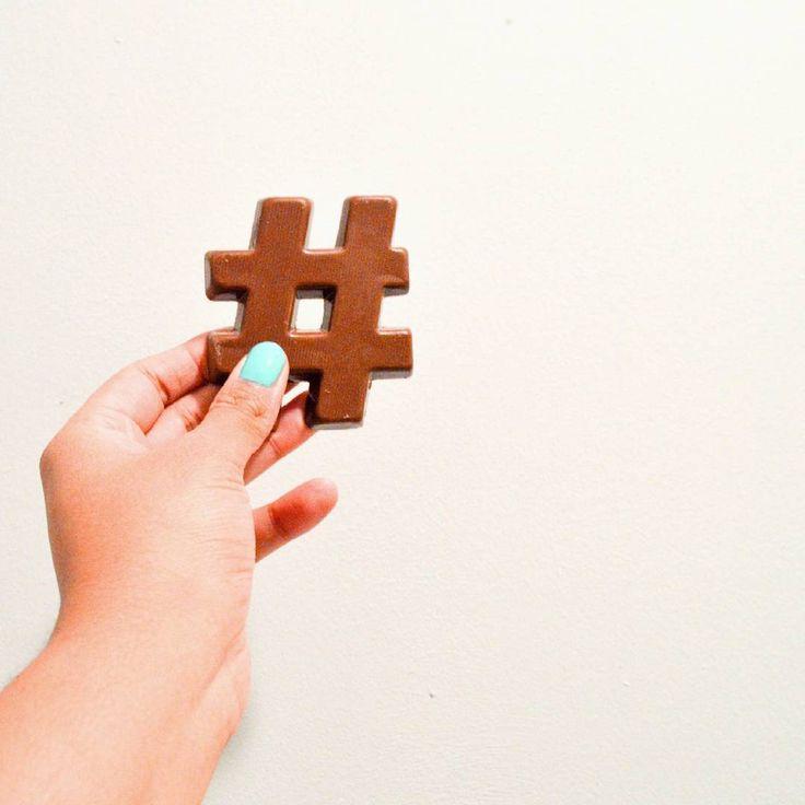 HEMA heeft chocoladeletters in het hele alfabet, maar nu ook in hashtags. #HEMA #chocoladeletter #sint