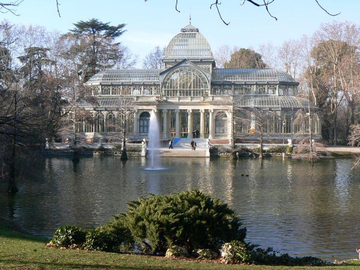 Palacio de Cristal, parque de El Retiro, Madrid ...