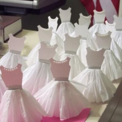 cupcake wedding toppers | diy Paper Dress cupcake Toppers- Fun for a bridal ... | Wedding Ideas