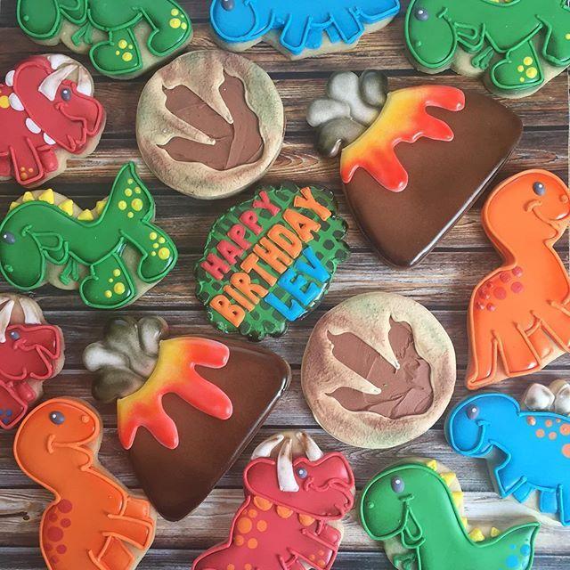 Dinosaur volcano cookie