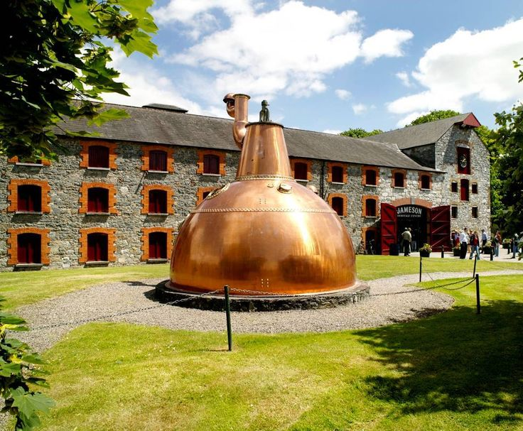 This is the Jameson Distillery in Middleton! This distillery operated for more than 150 years it is worth a visit! And we are going there this Friday!  Please sign up by tomorrow morning at Reception if you want to come :) #Whiskey #Ireland #Midleton #Jameson #Activity #Fun #CorkEnglishCollege #School #Cork #LearnEnglish #Amazing #Travel #Trip #TravelGram #instaTravel #Irish #loveIreland #BestIrelandPics #DiscoverIreland #VisitIreland #TourismIreland #youririshadventure #Ireland_gram…