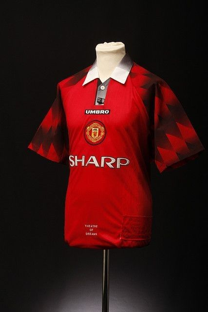 Manchester United Football Shirt (Home, 1996-98)