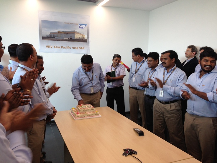 05 apr 2013 - VRV Asia Pacific - Il team VRV India festeggia il go live del progetto