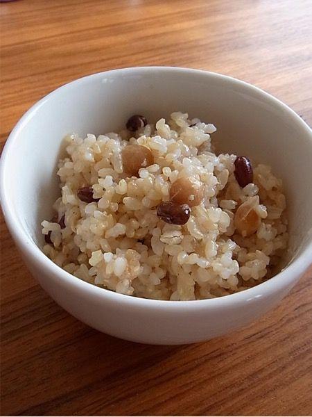 圧力鍋で炊くモっちり美味しい小豆と大豆入り玄米ご飯 by 青木美加 ...