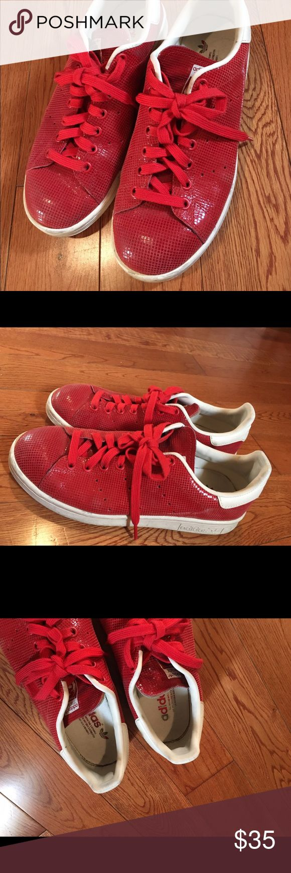 Adidas Stan Smith Almost like a snake print classic stan smith. Used but still in good condition. Adidas Shoes Sneakers
