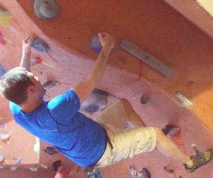 Bouldering at Vertical Reality in Ottawa