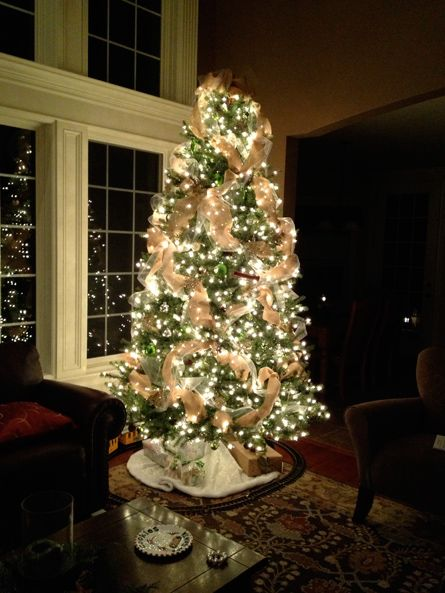Burlap Christmas IDEAS | the finished product my burlap christmas tree christmas decorations ...