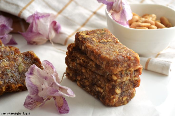Vegan and gluten free dates bars #dates #bars #zapachapetytu #vegan #glutenfree