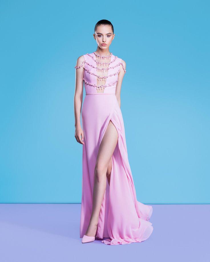 Xu hướng váy dạ hội xẻ tà gợi cảm nhất 2018