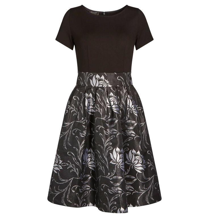 Ein elegantes Kleid mit floralem Muster. Schlicht und doch etwas ganz besonders <3