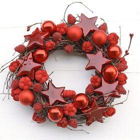 blog o bukietach ślubnych, kwiatowych dekoracjach do włosów, fascynatorach, wiankach i dekoracjach świątecznych