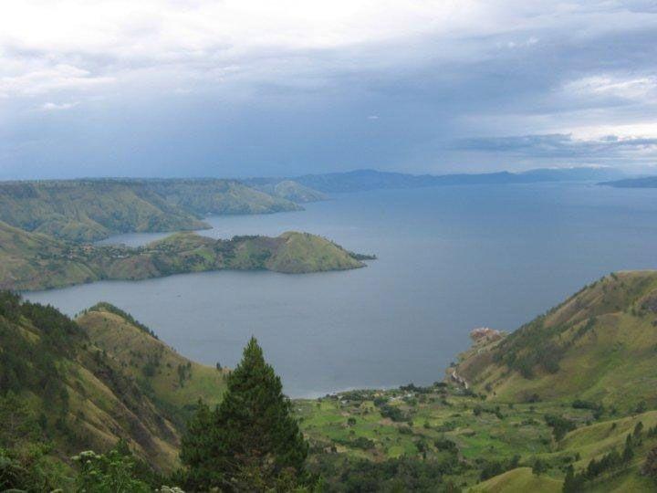 Vista privilegiada do lago Toba (Foto: Matheus Pinheiro de Oliveira e Silva)
