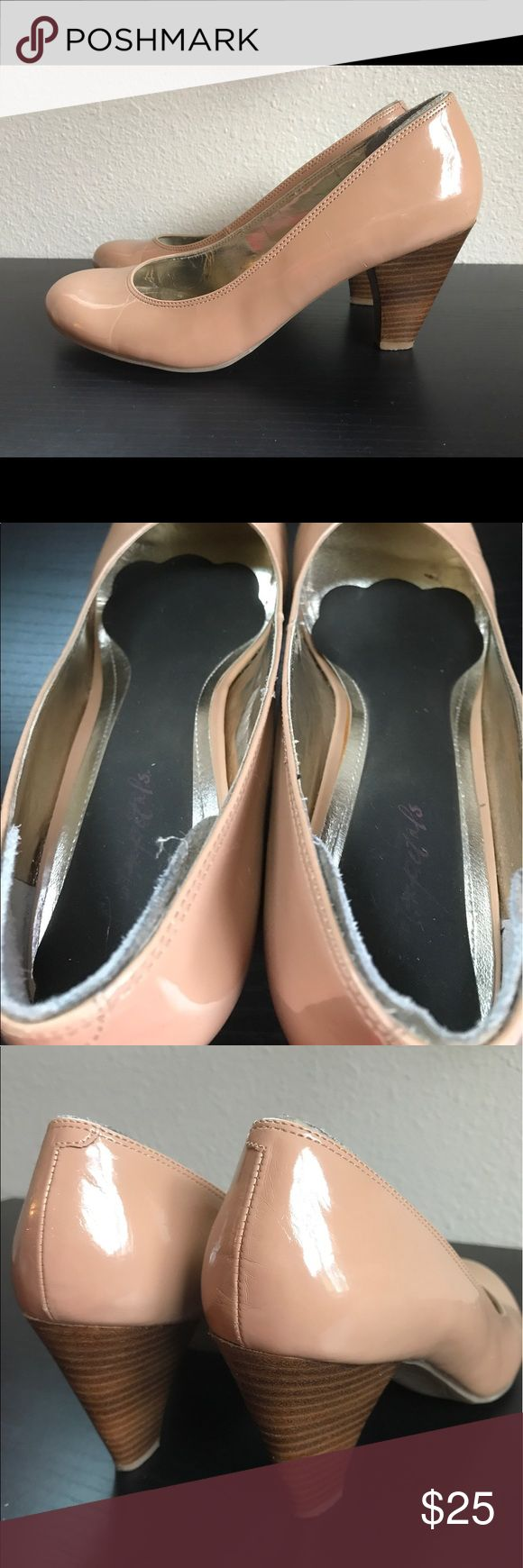 """Kenneth Cole Tears Go By nude patent pump heel 9.5 The Kenneth Cole Reaction """"Tears Go By"""" camel/beige/nude patent pump heel size 9.5 - with shoe and heel cushions. Preowned with blemishes and scratches. Only worn them a few times but the inner lining started to shed off and got scratched on the outsides. You can't really tell when you wear them but when you get up close and take pictures of every flaw they look more beat up.  Color options: Camel/Beige Width: Medium Style: Pumps Material…"""
