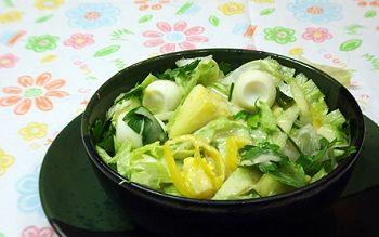 Ананасовый салат из латука