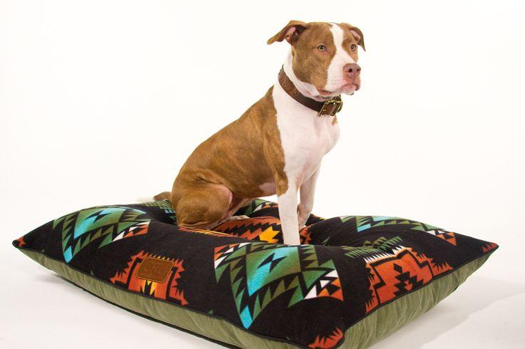 Gitli Goods - The Camp Bed (Black), (http://www.gitligoods.com/southwestern-canvas-dog-bed/)