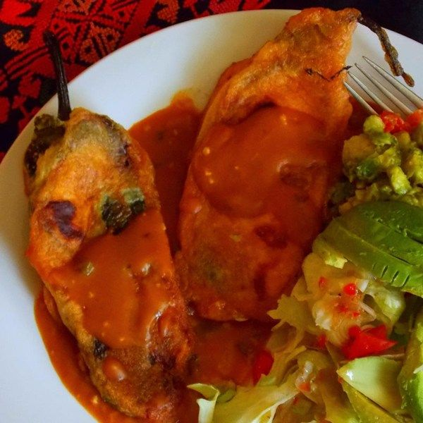 Chiles Rellenos Autenticos Recipe Stuffed Peppers Chile Relleno Food Recipes